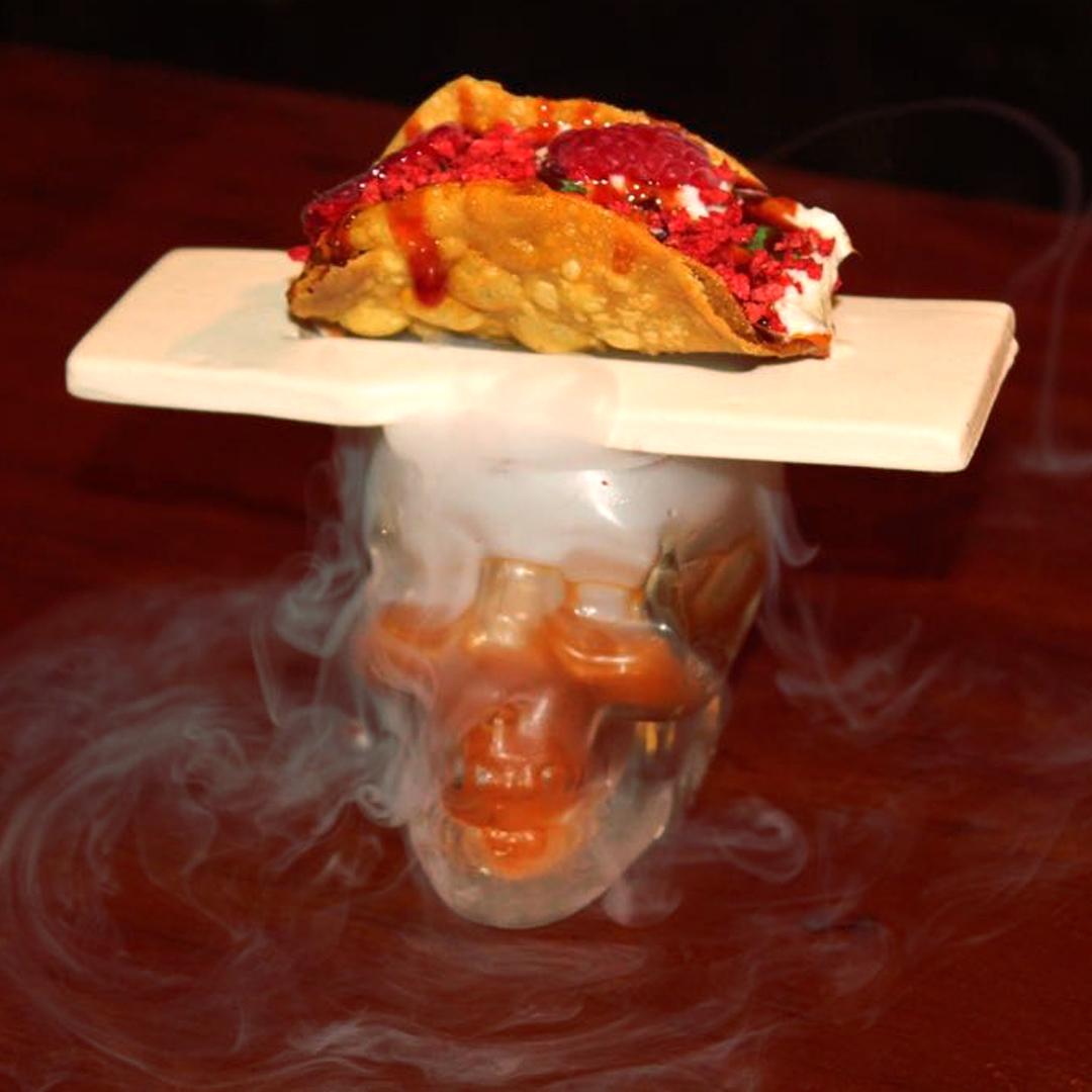 David López Pardo y su restaurante el «Bodegón el Ciervo» ganadores mejor pincho provincial por su pincho «La Magia del Taco». ¡Enhorabuena!